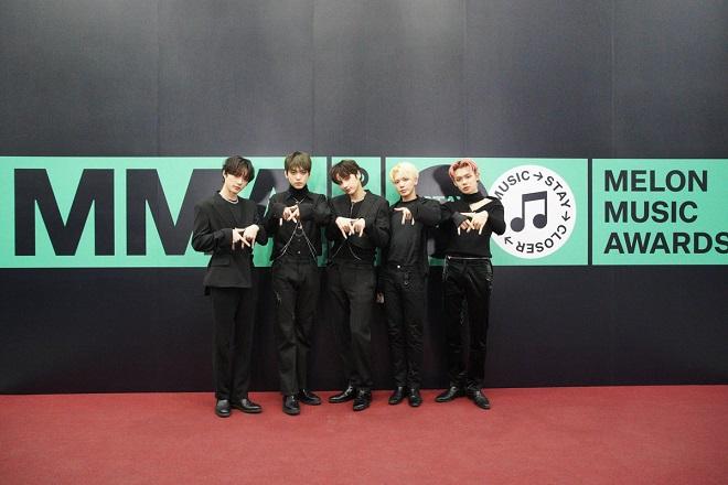 BTS, BTS tin tức, BTS thành viên, TXT, IZ*ONE, Monsta X, The Boyz, Oh My Girl