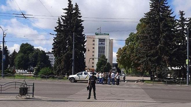 Ukraine, Bắt cóc, xe buýt, vũ khí, súng, bom, lựu đạn