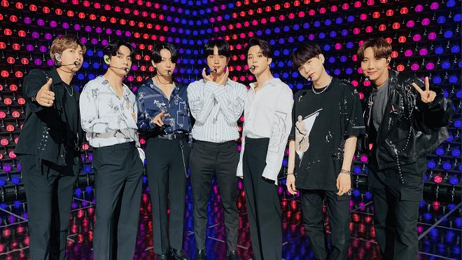 BTS chiêu đãi ARMY bản live 'Dynamite' mới toanh