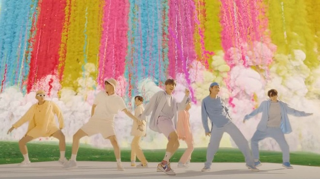 'Dynamite' của BTS phá toàn bộ kỷ lục của Blackpink trên YouTube