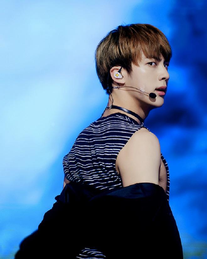 BTS, Jin đeo choker, Jin đeo vòng cổ, vòng cổ của Jin, hút hồn ARMY, worldwide handsome, Jin BTS, ARMY, Kpop