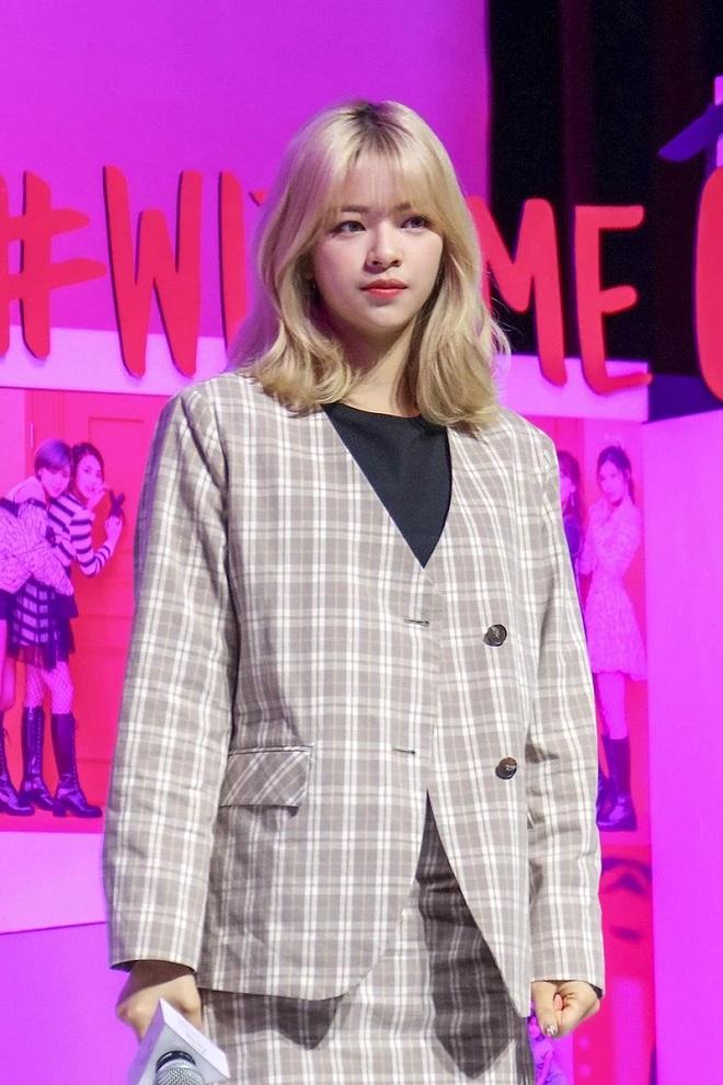 Red Velvet, Blackpink, Twice, đụng hàng, Kpop, Twice, hàng hiệu, thời trang, idol, Joy, Jennie, Taeyeon, Jeongyeon