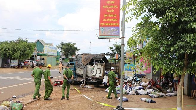 Sớm điều tra nguyên nhân vụ tai nạn giao thông liên hoàn tại Đắk Nông