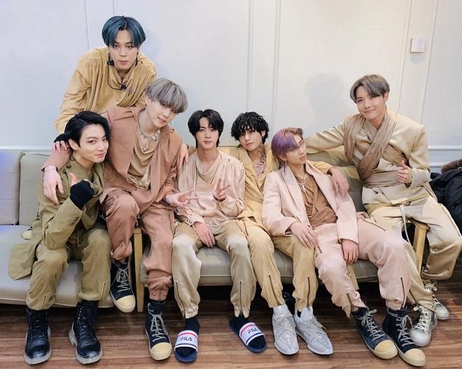 BTS, Jin, RM, ghen tị, Jin và RM ghen tị với người bình dị, Jin ghen tị với bạn bè, RM đứng nói này trông núi nọ, Tập 6 Break The Silence, ARMY, Kpop