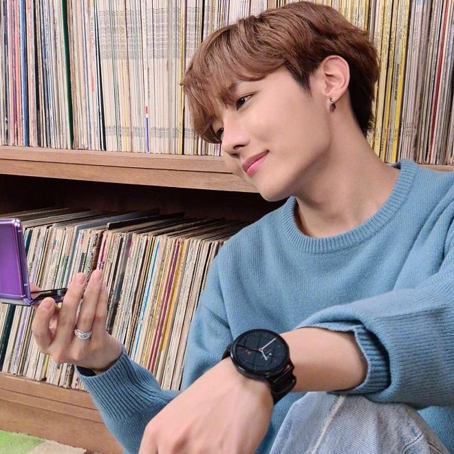 BTS, J-Hope, xương quai hàm, cực phẩm, nam tính, điển trai, BTS J-Hope, BTS tin tức