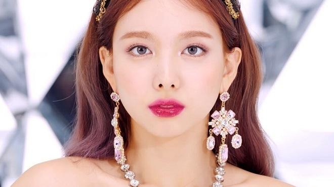 Twice, twice khen ngợi lẫn nhau, Twice Momo, Twice Mina, Twice Nayeon, Twice Dahyun, Twice Jihyo, Twice Sana, Twice Jeongyeon, Twice Chaeyoung, Twice Tzuyu