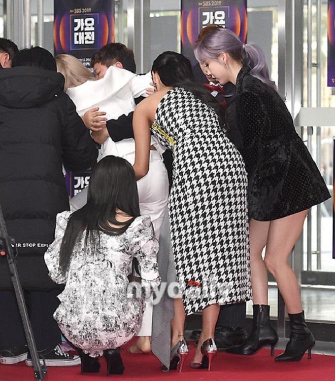 BTS, Red Velvet, Sao Kpop khổ sở tại SBS Gayo Daejun 2019, Mamamoo, Fan thương xót idol, monsta x, NCT, BTS Jin, BTS V
