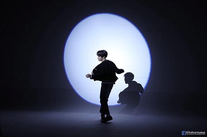 J-Hope, BTS vì thời trang, mặc 9 bộ trang phục khác nhau trong MV mới, BTS, BTS J-Hope, j-hope bts, bts 2020, bts outro ego, outro ego, bts ego