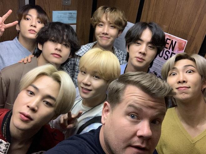 BTS, lần đầu biểu diễn Black Swan, BTS ARMY được tặng quà, The Late Late Show, James Corden, bts, bts 2020, bts the late late show, black swan