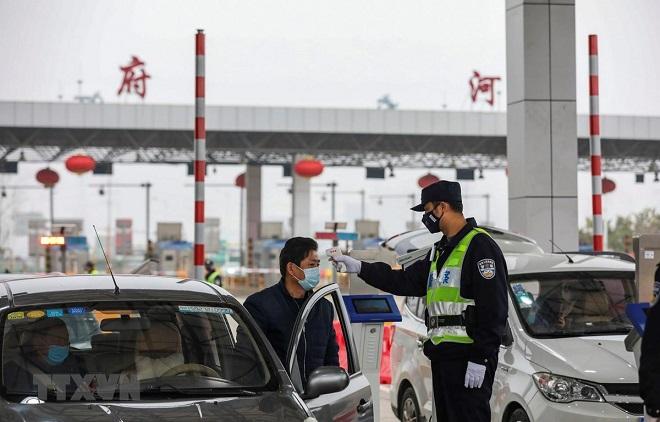 viêm phổi corona, virus corona, viêm phổi trung quốc, viem phoi, Bắc Kinh đình chỉ xe buýt, Mỹ sơ tán công dân tại Vũ Hán, viêm phổi cấp