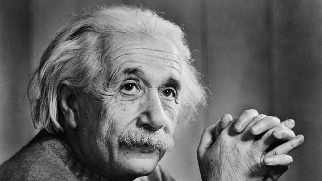 Albert Einstein, phát ghiện thiên văn học, củng cố thuyết tương đối rộng, thiên văn