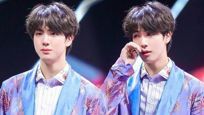 Cảm động 4 câu chuyện buồn của Jin BTS trong năm 2020