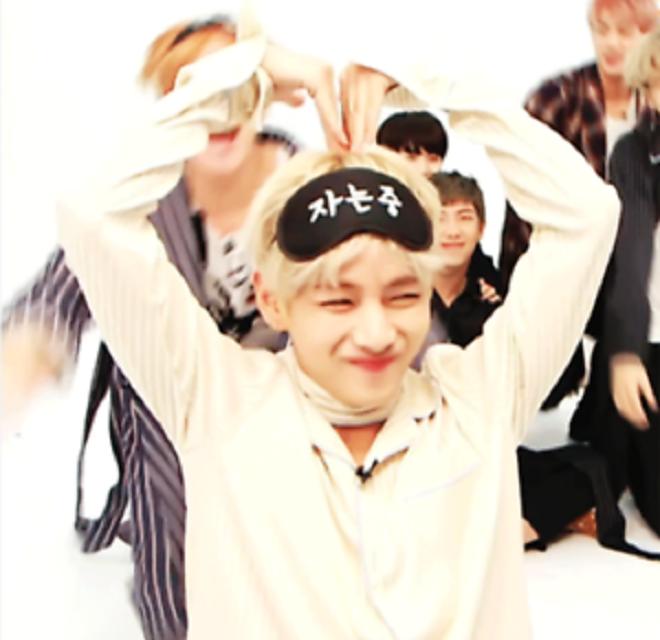 BTS, 11 món đồ để có được outfit như V, BTS V, V BTS, BTS 2019, BTS thành viên, BTS Youtube