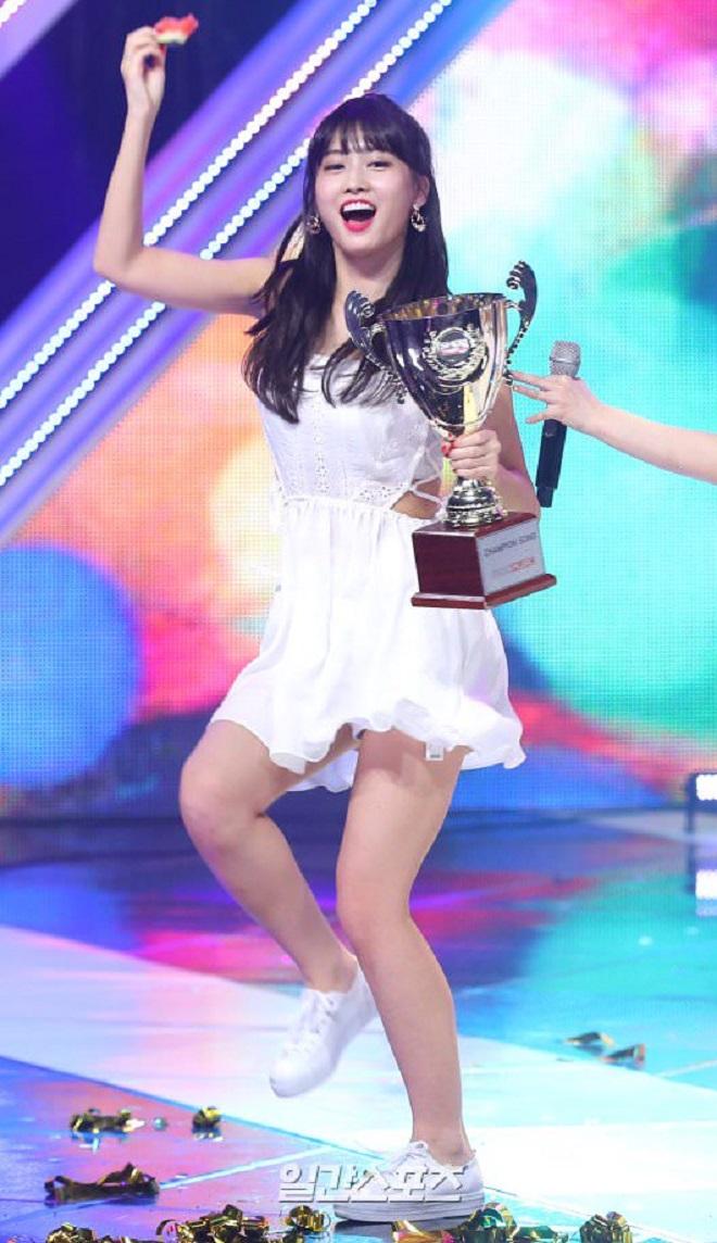 Twice, Momo gợi cảm với trang phục, on stage, Twice momo, Momo Twice, Twice 2020