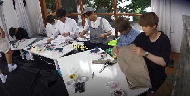 BTS, Jin, RM, Suga, Jungkook được ưu ái, tập 104 của Run BTS, trò đùa của các thành viên bts, trò chơi của bts, các thành viên bts ghen tỵ với Jungkook
