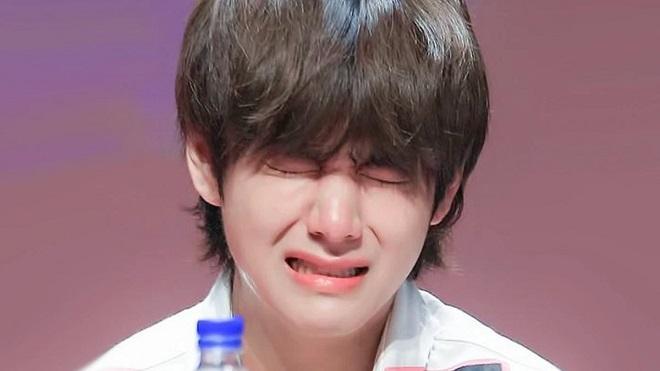 V BTS 'than thở' trên mạng, fan vào 'giải cứu' siêu đáng yêu