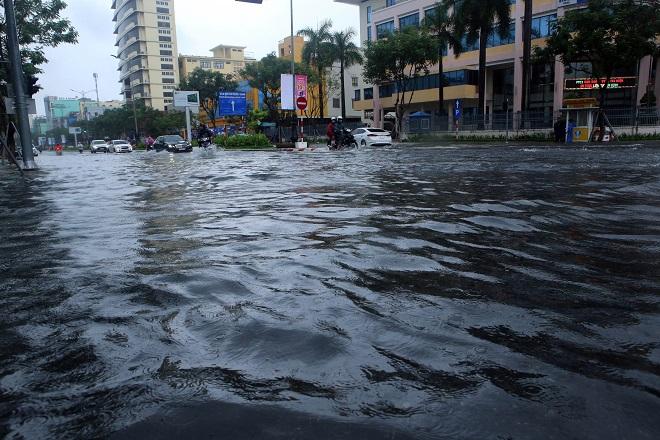 Bão số 6, Trung Bộ, Miền Trung, Huế, Đà Nẵng, Kon Tum, Hà Nội, mưa lũ