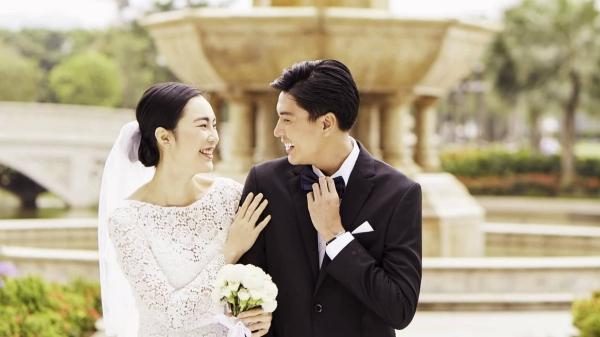 'Nam thần'Quang Đại và Helly Tống bất ngờ 'lộ'ảnh cưới