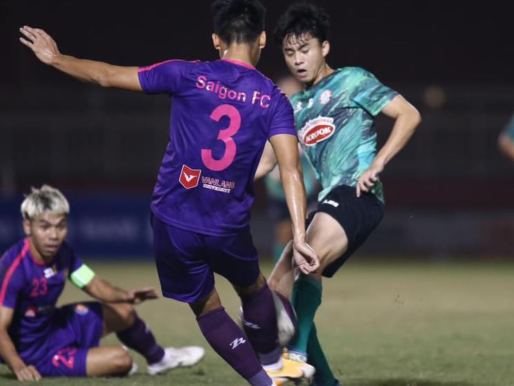 Bóng đá Việt Nam hôm nay:Thanh Hóa đấu Viettel (17h00).TPHCM vs Hà Tĩnh (19h15)