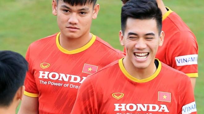 Bóng đá Việt Nam hôm nay: Đội tuyển Trung Quốc 'lộ bài' đấu tuyển Việt Nam