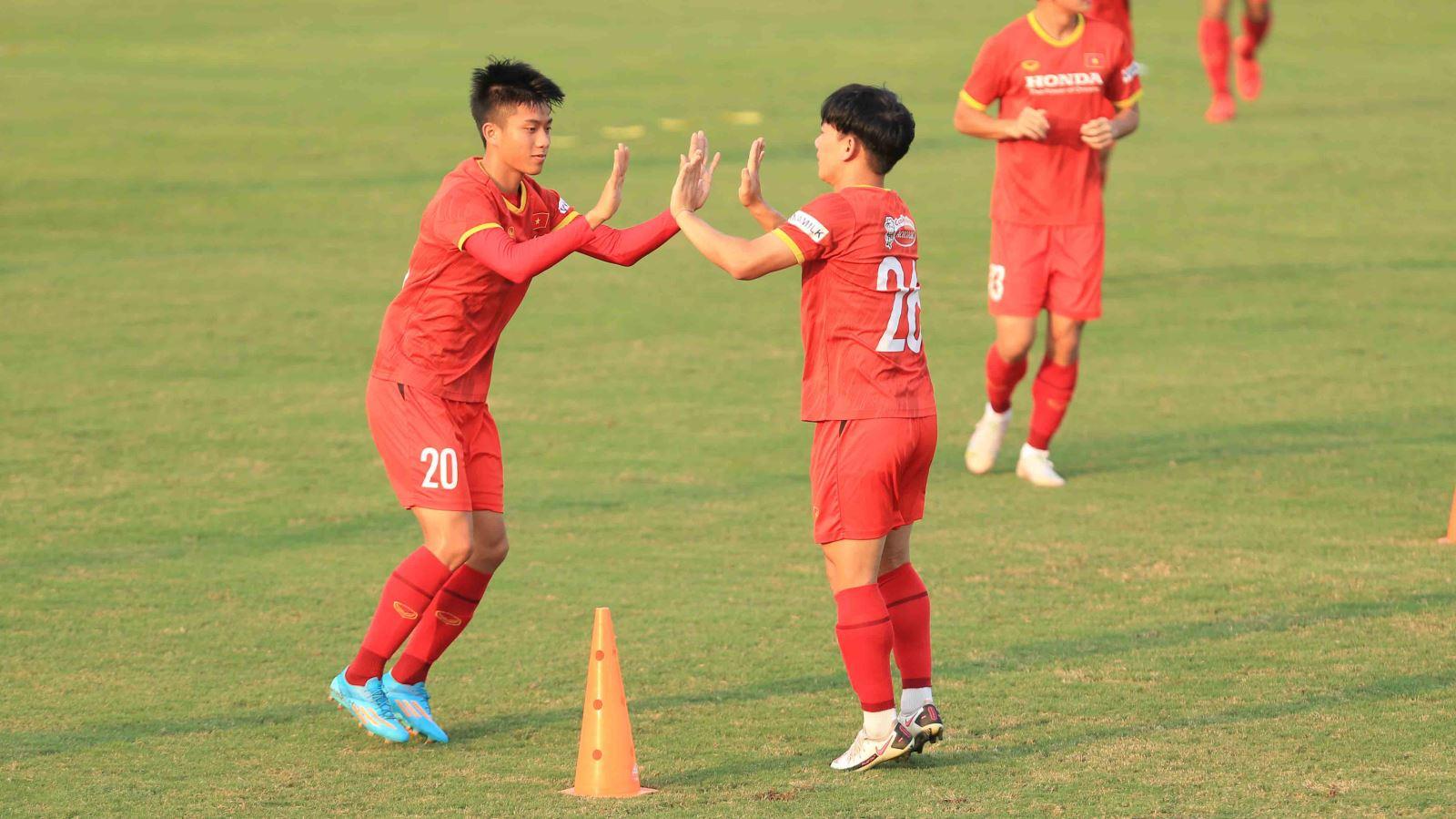 bóng đá Việt Nam, tin tức bóng đá, ĐT Việt Nam, dtvn, tuyển Việt Nam, Park Hang Seo, trực tiếp đội tuyển Việt Nam tập tại UAE, bảng G vòng loại World Cup