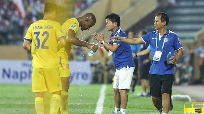 bóng đá Việt Nam, tin tức bóng đá, bong da, tin bong da, HAGL, Kiatisuk, bầu Đức, Kawin, V League, Thai League, lịch thi đấu bóng đá hôm nay, VFF, VPF