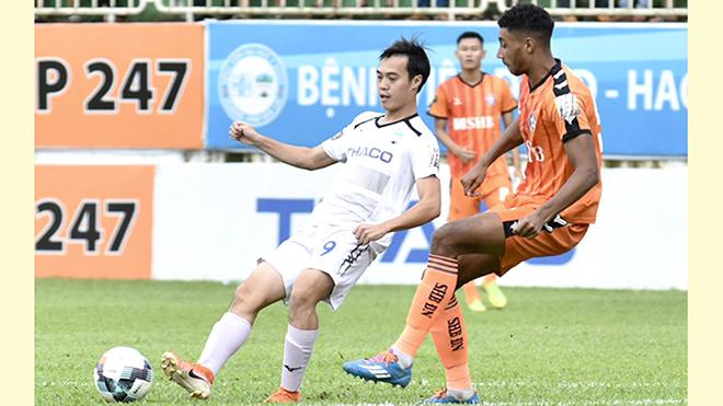 Bóng đá Việt Nam hôm nay: HAGL khó vô địch V-League. Hoãn giải futsal châu Á vì dịch corona