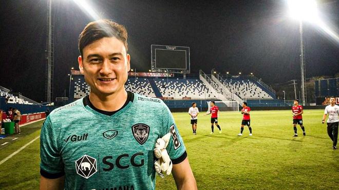 Bóng đá Việt Nam hôm nay: Thai League sẽ giảm nửa số trận. Thầy Công Phượng tự nấu ăn vì Covid-19