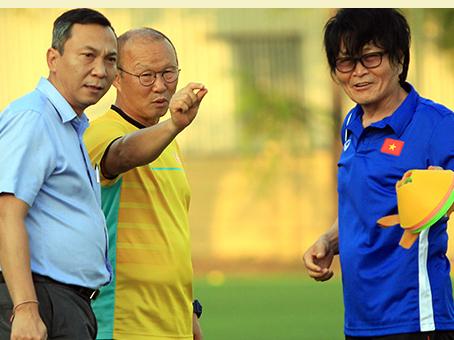 Bóng đá Việt Nam hôm nay: Muangthong chốt tương lai Văn Lâm. Đồng hương thầy Park có thể bị sa thải