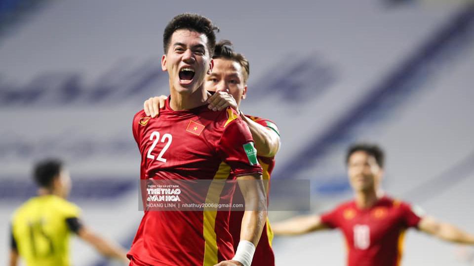 Bóng đá Việt Nam hôm nay: Việt Nam đấu UAE (23h45). Tuấn Anh vắng mặt