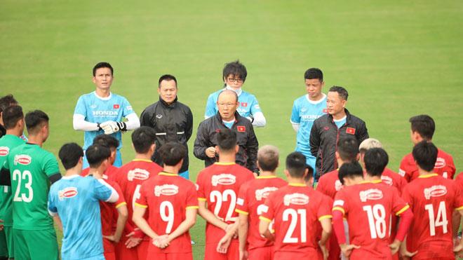 Bóng đá Việt Nam hôm nay: HLV Park Hang Seo muốn tránh Hàn Quốc