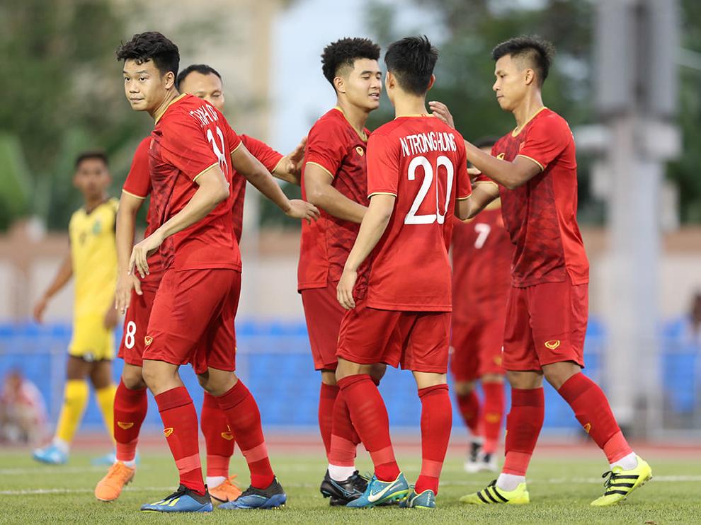 Bóng đá Việt Nam hôm nay 7/12: U22 Việt Nam đấu với Campuchia, HLV Thái Lan xin lỗi vì bị loại