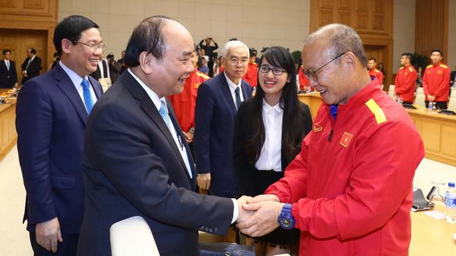 Thủ tướng Nguyễn Xuân Phúc gặp mặt đội tuyển Việt Nam vừa vô địch AFF Cup 2018