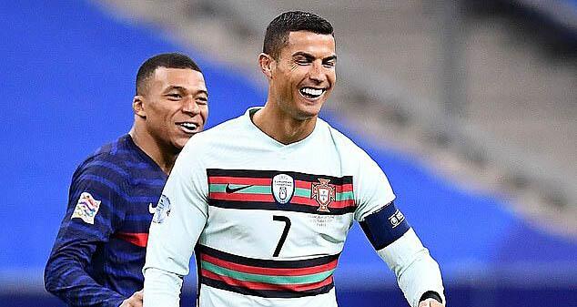 Bong da, Bóng đá hôm nay, Tin bóng đá MU, Bruno Fernandes, Covid-19, Ronaldo, Maguire, Maguire thẻ đỏ, Kqbd, Anh vs Đan Mạch, kết quả Nations League, BXH Nations League