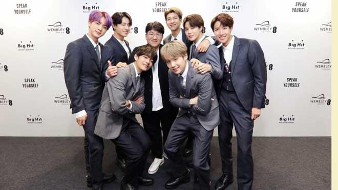 Bản tin Kpop: TWICE vượt SNSD về doanh số album, thành công của BTS tại Mỹ có phải là may mắn?