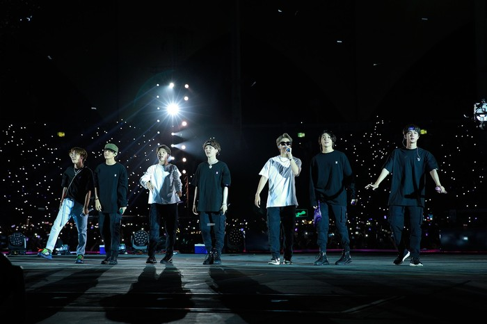 ARMY, BTS, Tour diễn Speak Yourself, Jimin, Jin, Jungkook, RM, Suga, V, J-Hope, Ả Rập Saudi, BTS diễn tại Ả Rập, xem concert của BTS tại Ả Rập, Kpop, bts, bts tour