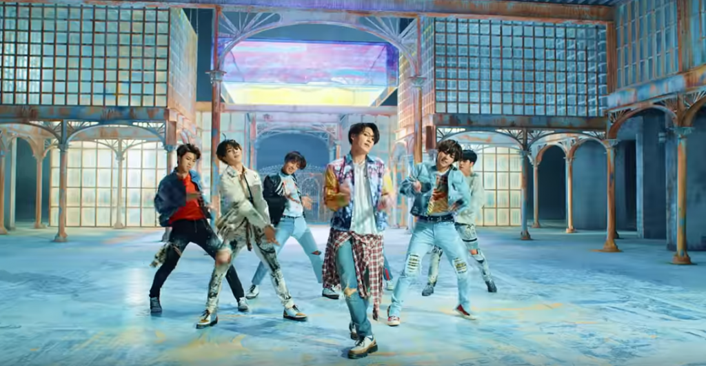 BTS,bangtan boys,BTS bị đạo nhạc, ca sĩ ý đạo nhạc bts, nghe ca khúc đạo fake love của bts, tin tức bts, ca sĩ đạo nhạc bts là ai, ảnh BTS, blackpink,MV tỷ view Blackpink