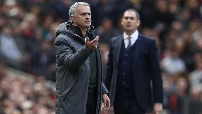 Man United thi đấu lắm, chấn thương nhiều? Mourinho kêu ca vớ vẩn!
