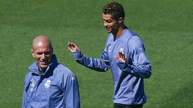 Zidane: 'Ước gì tôi được như Ronaldo'