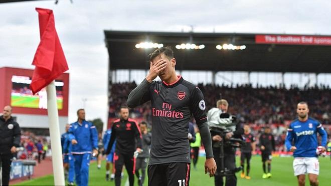 ĐIỂM NHẤN Stoke 1-0 Arsenal: Wenger 'nhớ' Alexis Sanchez. Pháo thủ lộ điểm yếu cố hữu