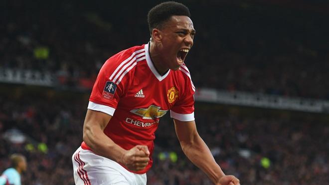 Martial đã thay đổi như thế nào sau 1 năm Mourinho dẫn dắt Man United?