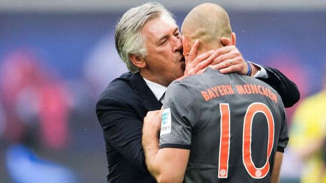 Arjen Robben nói gì về cáo buộc 'đâm sau lưng' Carlo Ancelotti?
