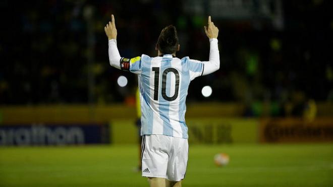 Argentina dự World Cup: Dưới bước chân của Messi thiên tài