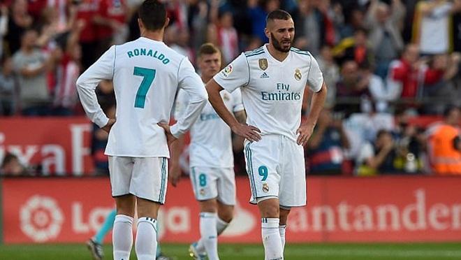 Zidane 'mất trí' khi bán Morata, mù quáng bảo vệ Benzema, không mua tiền đạo