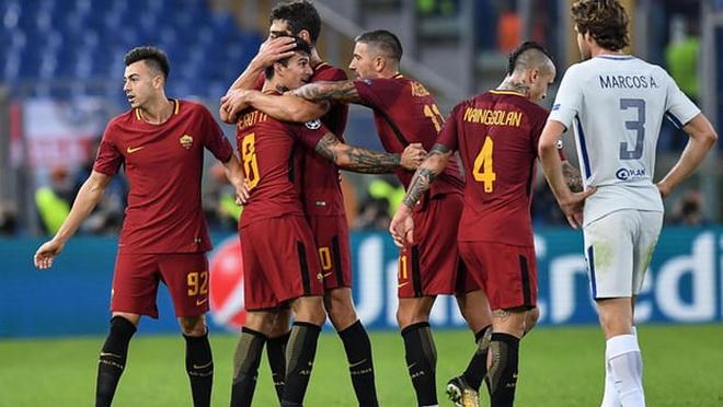 Fan Chelsea nổi giận khi chứng kiến Chelsea phòng ngự 'siêu tệ' trước Roma