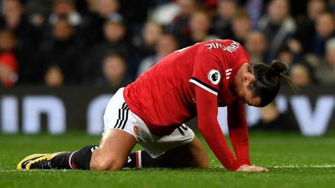 ĐIỂM NHẤN M.U 2-2 Burnley: Mourinho có tội. Cả tập thể M.U xuống dốc