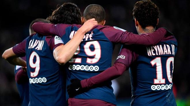 Cavani vĩ đại nhất lịch sử PSG. Neymar, Mbappe, Di Maria ghi bàn như... mưa. Real Madrid lo tột độ