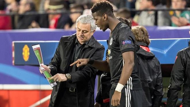 Không phải Pogba, Mourinho mới là vấn đề nghiêm trọng hơn với M.U