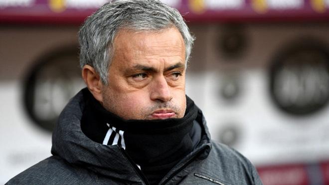 M.U đền bù hợp đồng, Mourinho sẵn sàng trở lại với nghiệp cầm quân