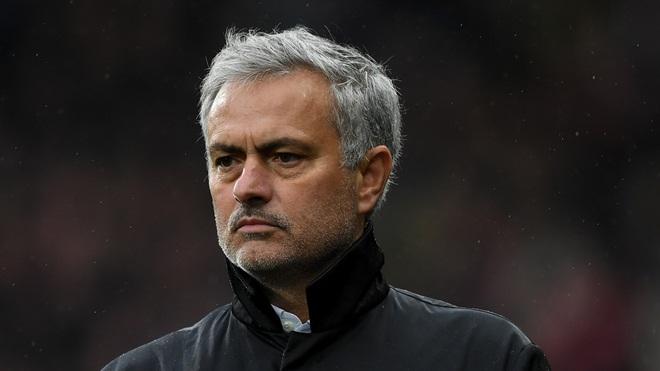 Jose Mourinho: 'M.U thà thua thế này còn hơn. Chelsea có mỗi bài bóng dài'